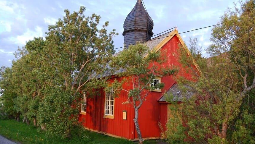 Værøy gamla kyrka